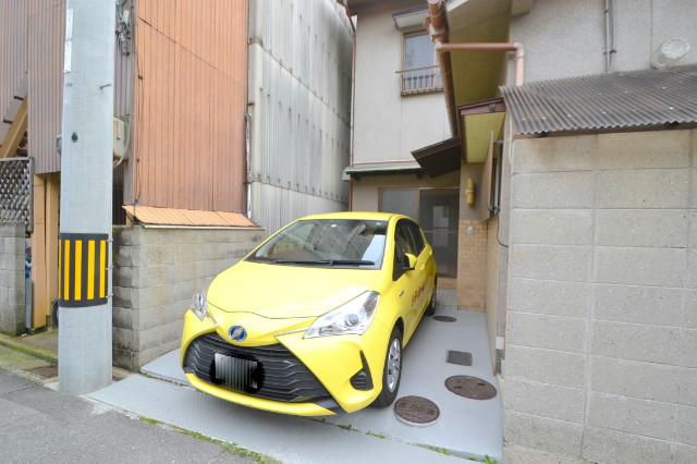 玄関前に駐車場あり♪